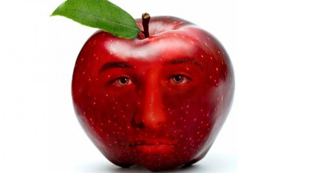 สอน Photoshop :  Create FACE INTO Fruit Apple