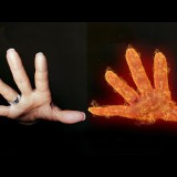 สอน Photoshop : Fire Hands Effects